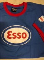 ESSO-t-paita punaisilla kanttinauhoilla