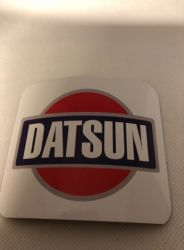 DATSUN-magneetti, 9 x 7,5 cm