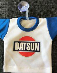 DATSUN-mini-t-paita imukupilla